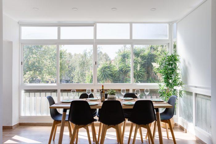 decoracao-interiores-estoril-alojamento-local-sala-refeicoes